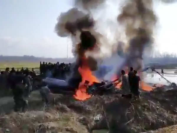 indian air force jet crashes in jks budgam