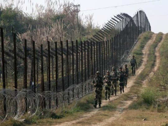 Pakistan violates ceasefire : सीमेवर तोफगोळ्यांचा मारा
