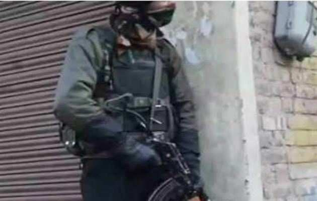 घाटी में आतंकियों से मुठभेड़, 4 जवान शहीद