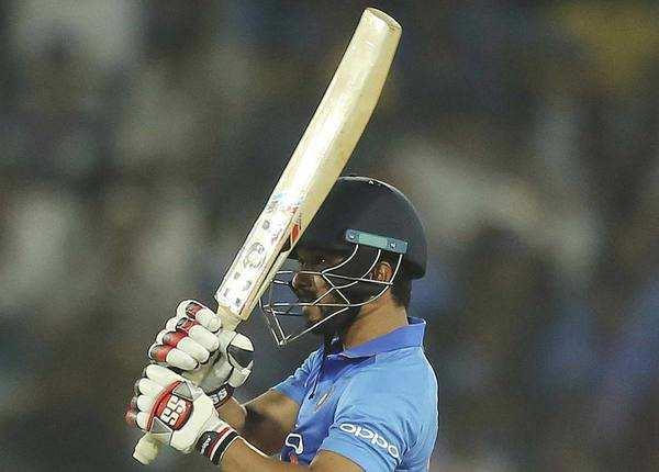 भारत ने जीता मैच, धोनी-जाधव का दम
