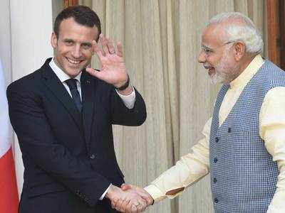 पीएम मोदी और फ्रांस के राष्ट्रपति इमैनुअल मैक्रों (फाइल फोटो)