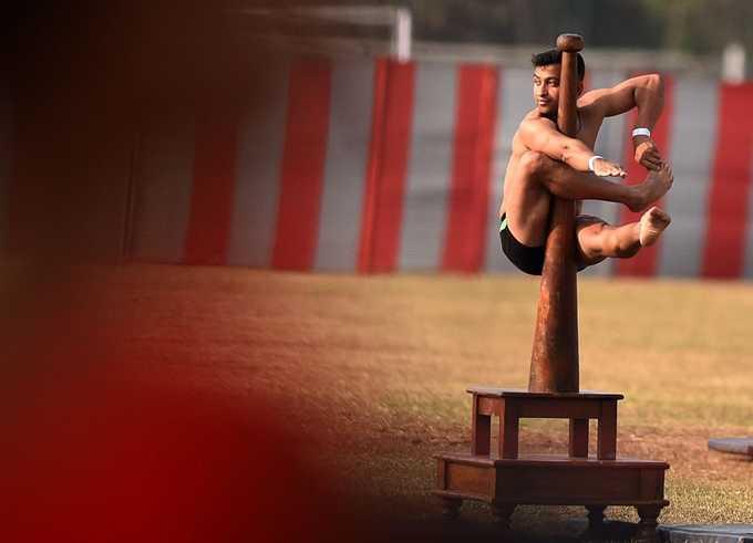 திகைப்பூட்டும் சாகசங்களுடன் பயிற்சியை நிறைவு செய்த ராணுவ அதிகாரிகள்