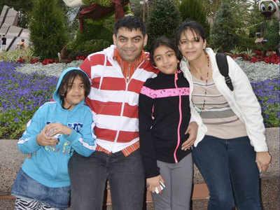 प्रेरित अपने परिवार के साथ (फाइल फोटो)
