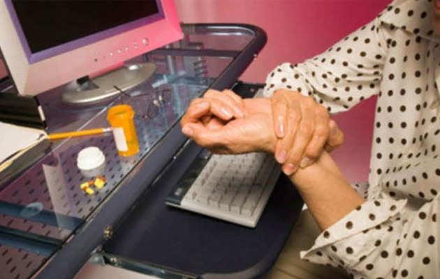 की-बोर्ड पर लगातार टाइपिंग से हो सकता है कार्पल टनल सिंड्रोम