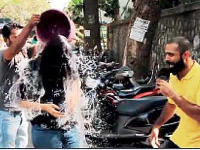 Holi Par Kiya Praink, To Police Legi Khabar
