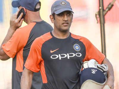 MS Dhoni Ka Anubhav Team India Ke Liye Aham Michael Clark