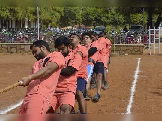 अंजुमन कॉलेजला दुहेरी विजेतेपद