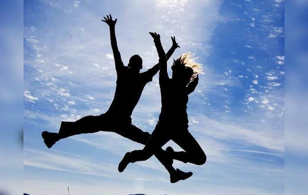 हैपीनेस डे: खुशी के लिए सबसे जरूरी है पैसा?