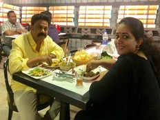 dileep kavya new image goes viral on social media