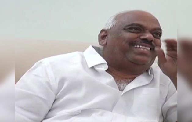 कर्नाटक के कांग्रेस नेता के बिगड़े बोल कहा, 'मैं पुरुषों संग नहीं सोता'