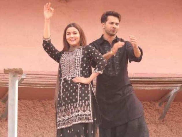 विडियो: वरुण और आलिया का 'फर्स्ट क्लास' नाच