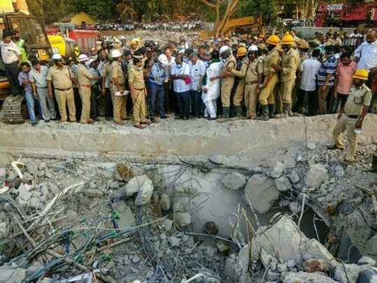 Hubballi: Karnataka Chief Minister H D Kumaraswamy visits the site of building c...