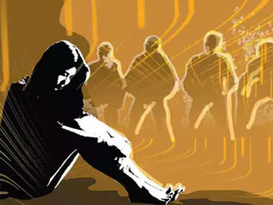 आयसीयूमध्ये सामूहिक बलात्कार
