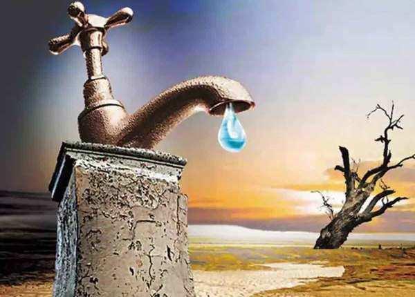 छूते भी नहीं पर यूं 'बर्बाद' कर रहे हम अरबों लीटर पानी