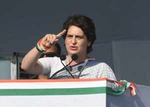 priyanka gandhi to campaign for first and second phase polls in maharashtra
