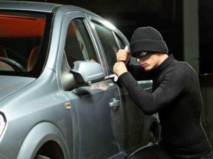 चोरों से बची रहेगी आपकी कार, अपनाएं ये 7 टिप्स
