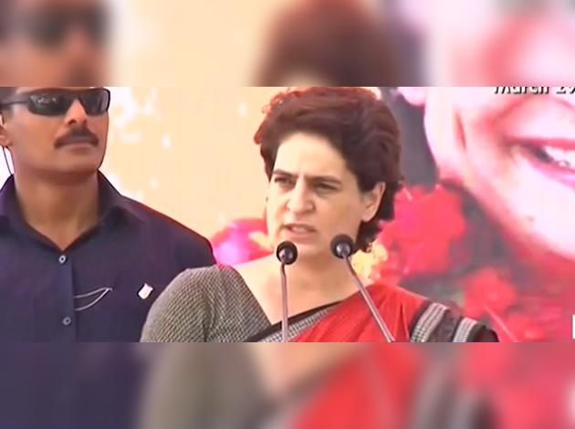 अयोध्या में प्रियंका गांधी बोलीं- पाकिस्तान में बिरयानी खाने तो PM मोदी गए थे