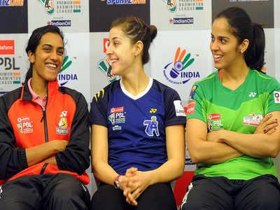 बाएं से- पीवी सिंधु, कैरोलिना मारिन और साइना नेहवाल