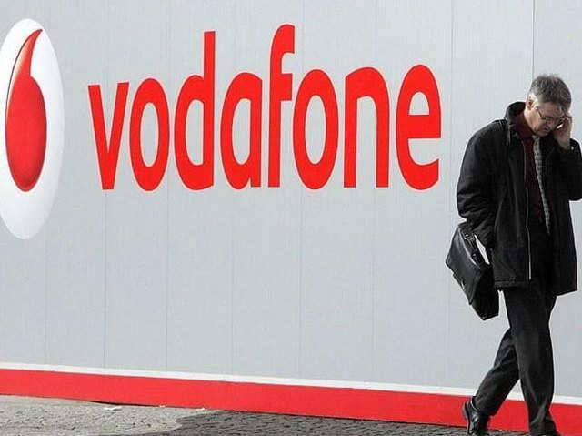 Vodafone प्रीपेड यूजर्स के लिए वापस लाया 50 और 100 रुपये के रिचार्ज प्लान