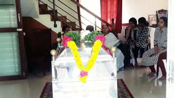 including rajini and kamal celebrities condolences to director mahendran