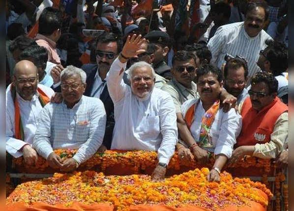 वाराणसी और वडोदरा से मोदी ने लड़ा चुनाव