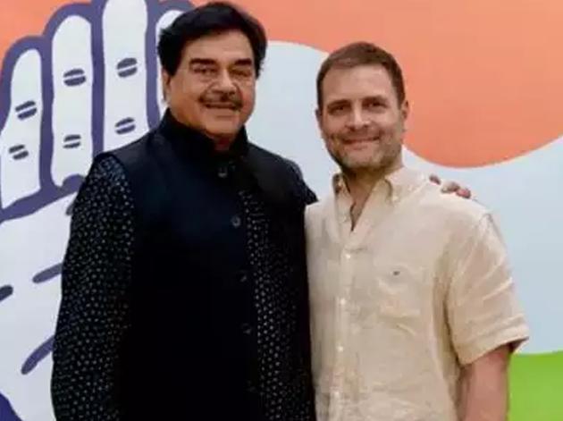 राहुल गांधी के साथ शत्रुघ्न सिन्हा (फाइल फोटो)