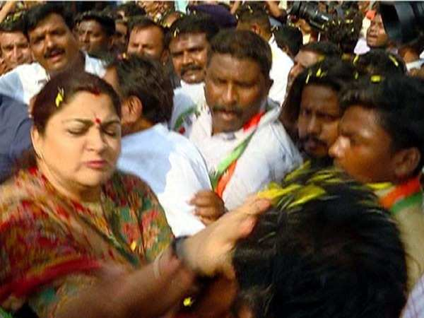 kushboo slapped a man who tried to misbehave with her