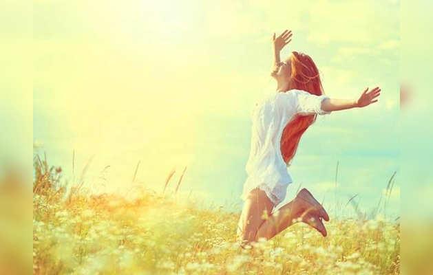 तेज धूप और गर्मी में खुद को इन चीजों से रखें बिल्कुल दूर