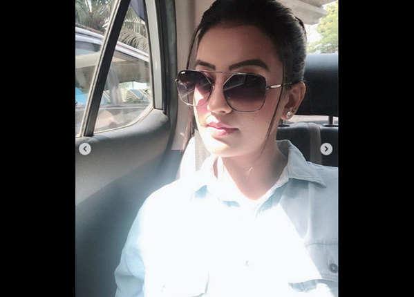 भोजपुरी स्टार रवि किशन के साथ की फिल्मी करियर की शुरूआत