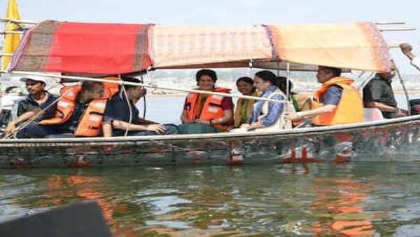 2019 ls polls priyanka gandhi likely to embark on another gangayatra from varanasi
