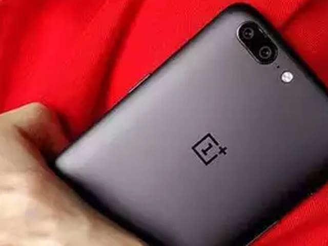 Smart TV पर काम कर रहा है OnePlus, फोल्डेबल फोन लॉन्च करने का कोई प्लान नहीं
