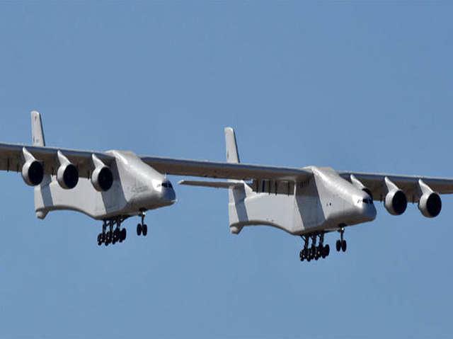 दुनिया के सबसे बड़े एयरक्राफ्ट ने भरी उड़ान, फुटबॉल फील्ड जितनी है लंबाई