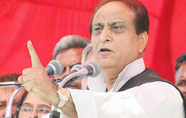 लोकसभा चुनाव: आजम खान ने डीएम को तनखैया बताया, बोले- सरकार आई तो साफ करवाऊंगा जूते
