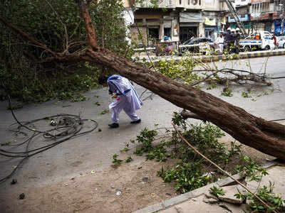 पंजाब-सिंध प्रांत में तूफान