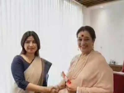 पूनम सिन्हा SP में शामिल, लखनऊ से राजनाथ के खिलाफ लड़ेंगी चुनाव