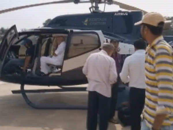 watch ec flying squad inspects luggage of bs yeddyurappa at helipad