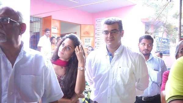 actor ajith kumar voting in chennai