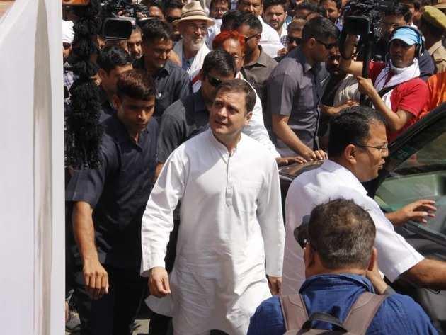 अमेठी में राहुल गांधी (फाइल फोटो)