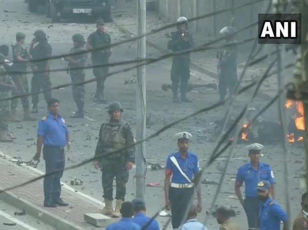 वैन में धमाके के बाद का मंजर
