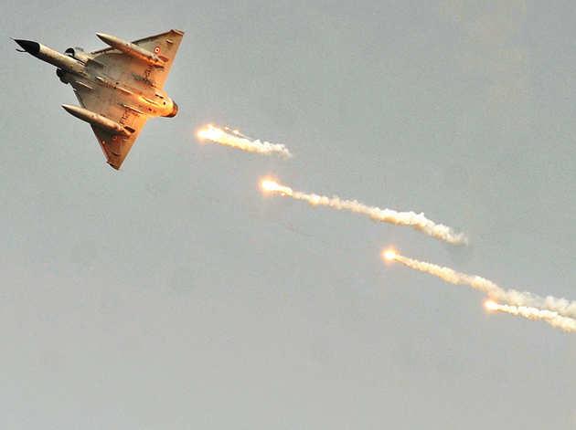 IAF का मिराज 2000 (फाइल)