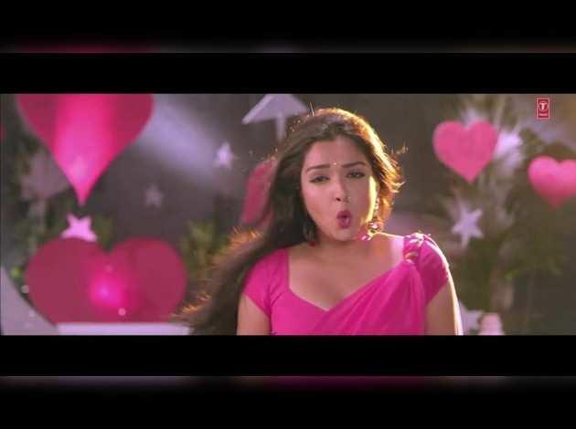 आम्रपाली दुबे और निरहुआ का गरदा गाना : 'तु ही बड़ा जान करेजाहू'