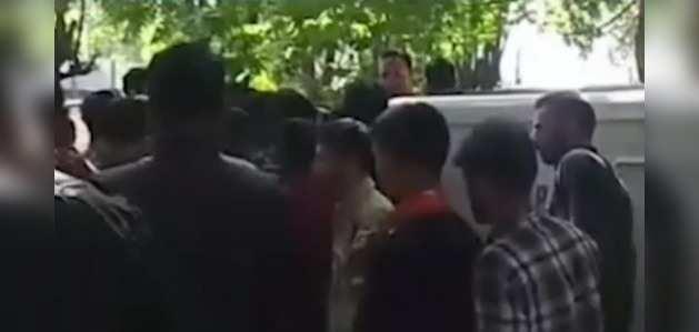जम्मू कश्मीर में भाजपा रैली में खाने के पैकेट की आपूर्ति के लिए पुलिस वाहन का इस्तेमाल, जांच के आदेश