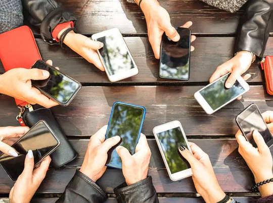 2023 तक भारत में दोगुने हो जाएंगे स्मार्टफोन्स, 40 प्रतिशत तक बढ़ेंगे इंटरनेट यूजर्स