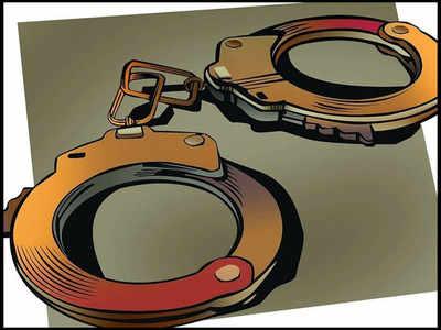 मथुरा में गाड़ी लूटने के आरोपी को मुठभेड़ के बाद किया गिरफ्तार, दो भागे