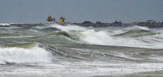 भारत के पूर्वी तट पर ज्यादा तबाही मचाते हैं तूफ़ान, जानें क्यों