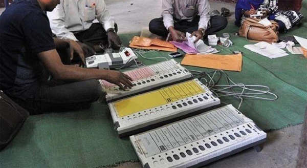 kannauj sp alleges vvpat shows lotus when cycle button pressed wants dgp removed