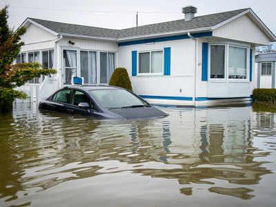 बाढ़ से हालात खतरनाक