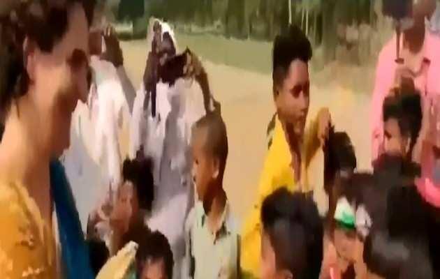 प्रियंका ने बच्चों से लगवाए मोदी विरोधी नारे? बीजेपी का काग्रेस को घेरा
