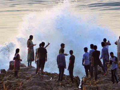 फोनी की आहट, ओडिशा में अलर्ट