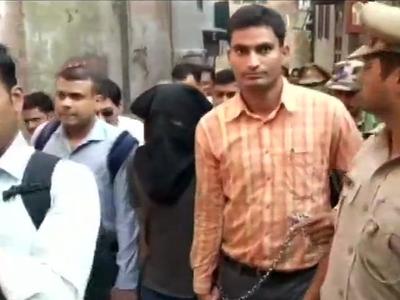एनआईए के साथ गिरफ्तार संदिग्ध